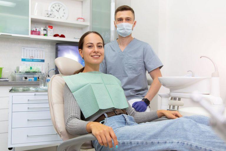 приём стоматолога в Дентополис