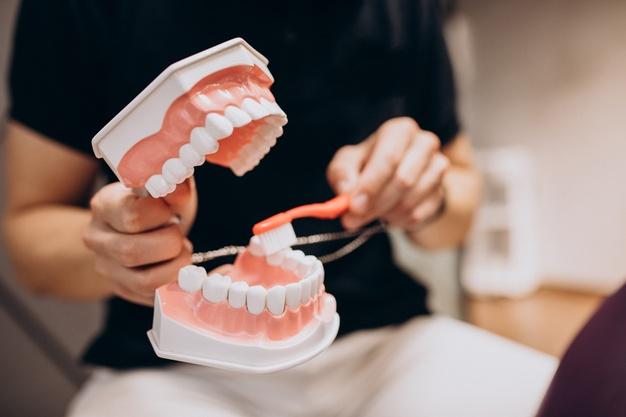 цена профессиональной чистки зубов минск